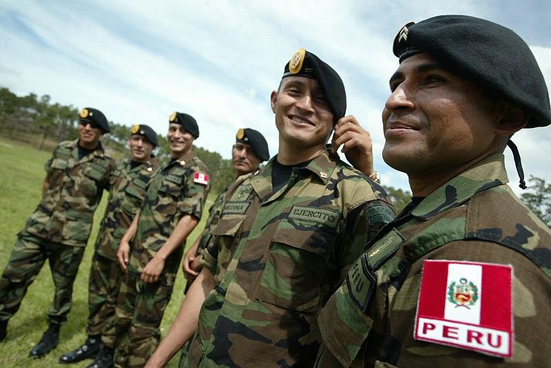 Perú estudia que militares se sumen a lucha contra la delincuencia