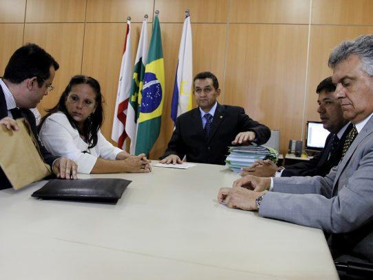 """Médicos denuncian en la OEA """"trabajo esclavo"""" en misiones cubanas"""