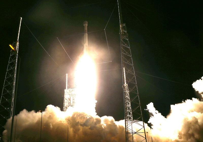 Cápsula espacial de Boeing aterrizó en EEUU tras misión fallida