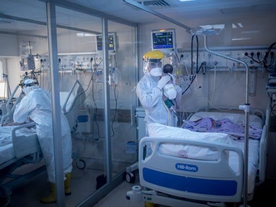 El contagio de covid-19 en niños, se manifiesta después de nacimiento