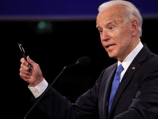 Biden habla con Piñera, primer líder latinoamericano en felicitarlo telefónicamente