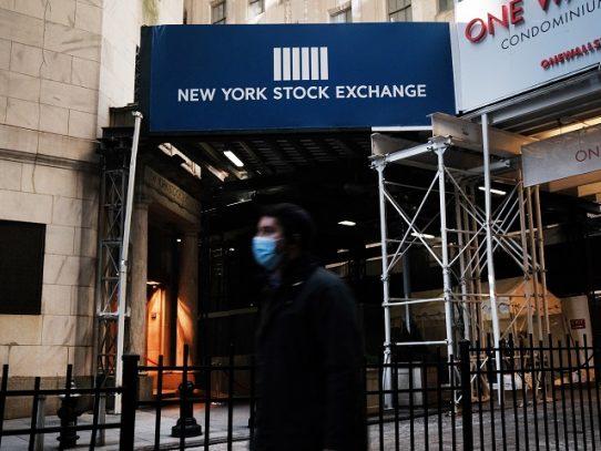 Wall Street toma aliento luego de la subida histórica del Dow Jones