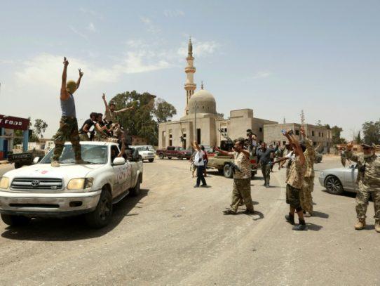 Fuerzas del gobierno toman última posición de Haftar en el oeste de Libia