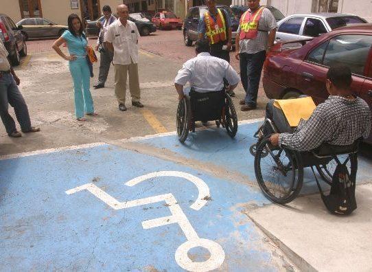Senadis prorroga permisos de estacionamiento vencidos