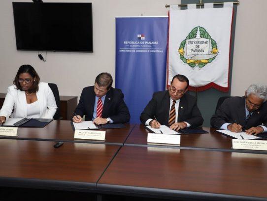 Capacitarán estudiantes para complementar tareas de Colón Puerto Libre