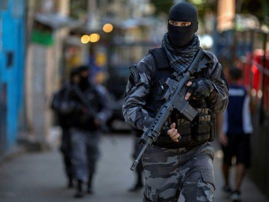 Nueve personas mueren pisoteadas tras acción policial en fiesta en favela de Brasil