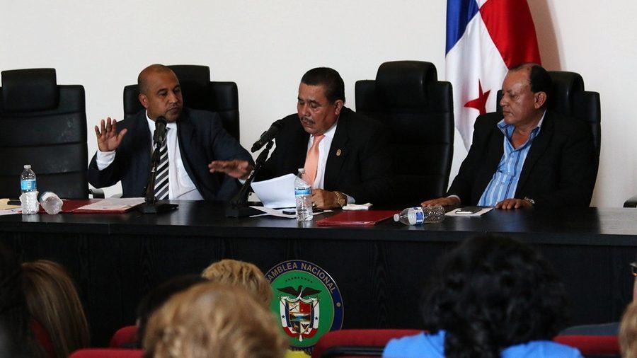 Diputados intentan limitar reelección inmediata en universidades estatales del país