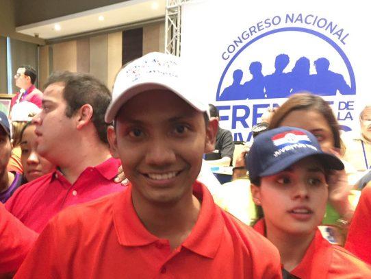 Juventud del PRD escoge a Bernardo Meneses como nuevo líder