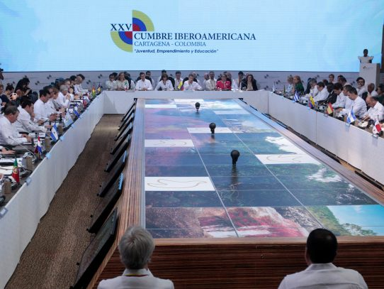 Crisis en Venezuela y paz de Colombia dominan cumbre Iberoamericana
