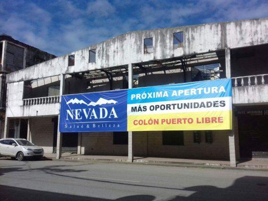 Desde chocolates hasta joyería al alcance en Colón Puerto Libre