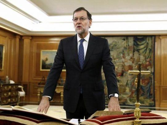 Rajoy jura como presidente del Gobierno español tras 10 meses de estancamiento político