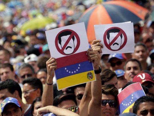 Oficialismo venezolano marchará en paralelo a oposición el 23 de enero