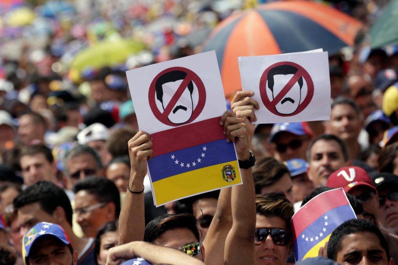 Oposición venezolana convoca huelga general para presionar por cambio de Gobierno