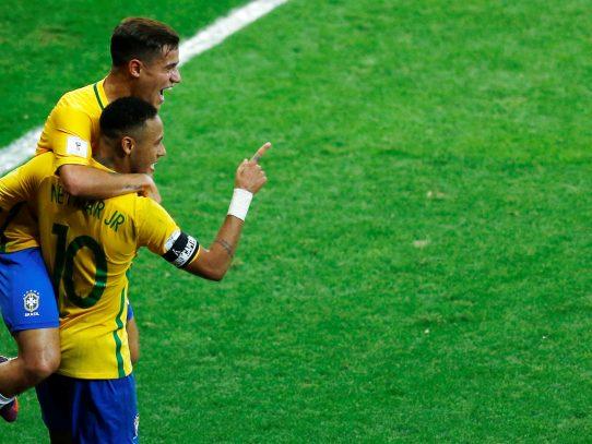 Brasil aplasta a Argentina 3-0 y está cerca de clasificar a Rusia 2018