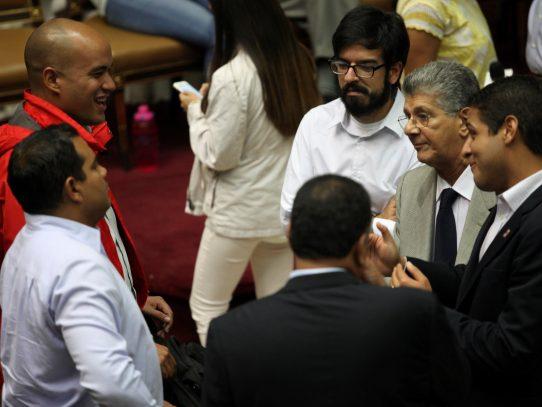Con poco optimismo gobierno y oposición de Venezuela continuarán el diálogo