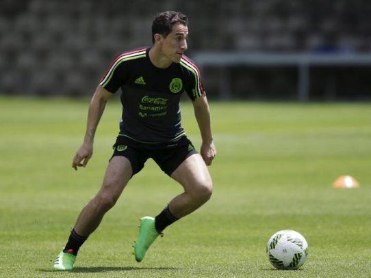 Andrés Guardado se perderá el partido ante Panamá por lesión