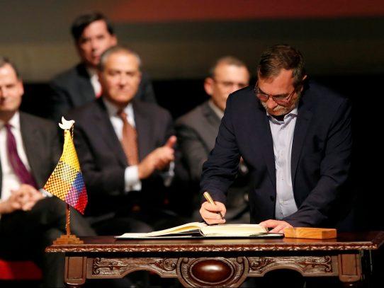 FARC anuncian respaldo a candidato presidencial que consolide acuerdo de paz