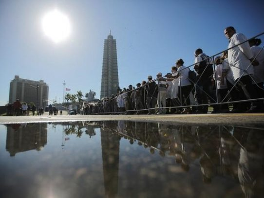 Miles de cubanos se preparan para decirle adiós a Fidel Castro