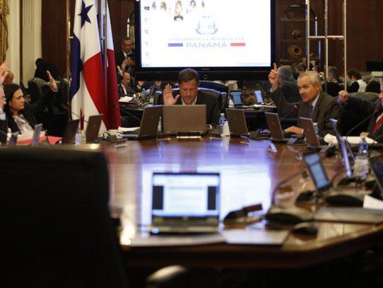 Panamá revisa acciones contra medidas colombianas