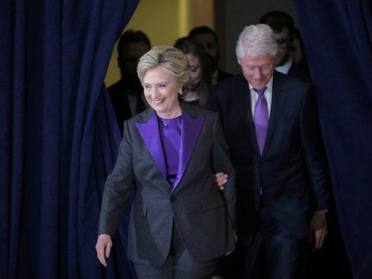 Hillary Clinton le desea éxito a Donald Trump