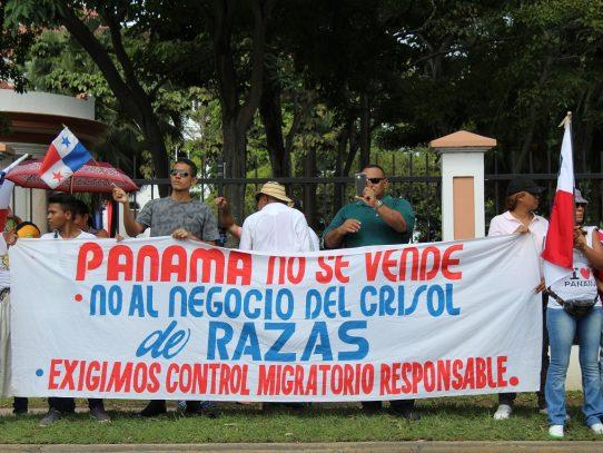 """""""Panamá  para los panameños"""", protesta contra inmigrantes en la Cinta Costera"""