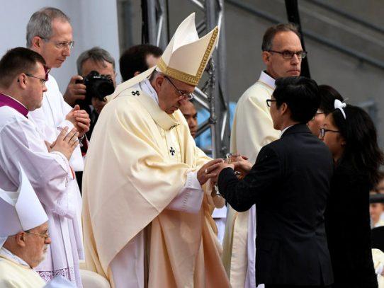 Papa Francisco elogia a Suecia por acoger a quienes buscan asilo