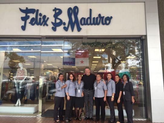 Embajador Feeley dice estar conmovido al visitar Félix B. Maduro