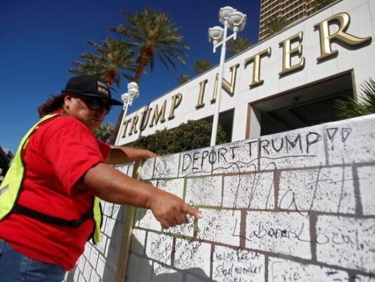 """Migrantes en frontera mexicana desisten del """"sueño americano"""" por temor a Trump"""