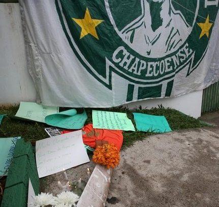 Tragedia en el fútbol, accidente aéreo deja 75 muertos y 6 sobrevivientes