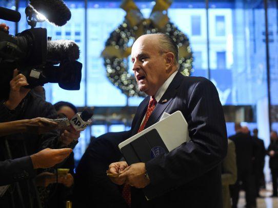 Trump anuncia que exalcalde Rudolph Giuliani no integrará su gabinete