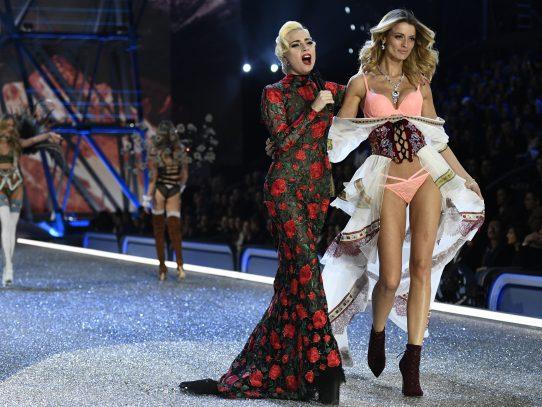 Lady Gaga revela su lado más detallista con los ángeles de Victoria's Secret