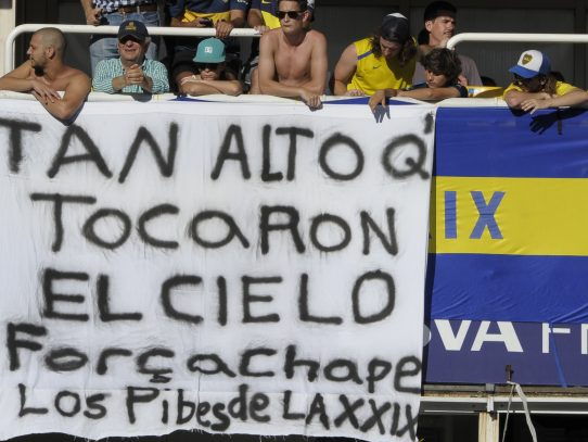 Equipos de América Latina rindieron homenaje al Chapecoense