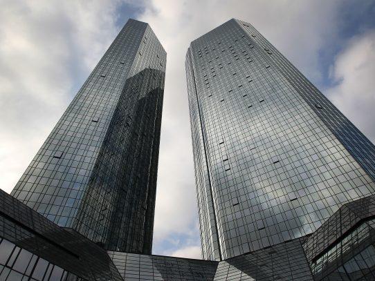 Deutsche Bank llega a acuerdo con EEUU y pagará $7 mil 200 millones
