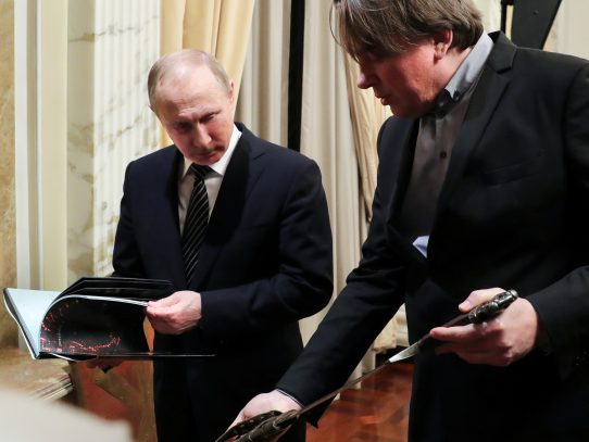 Putin decide no expulsar a la diplomacia de EEUU como lo hizo Obama