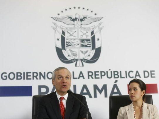 Gobierno anuncia restricciones a Odebrecht por investigación de sobornos