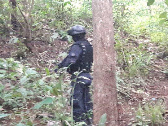 Encuentran seis cadáveres semisepultados en una fosa en Villa Lobos