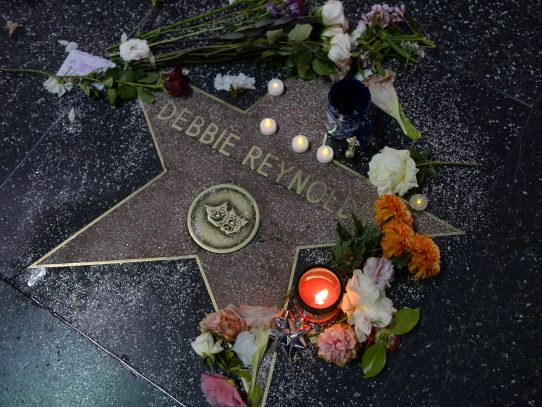 Debbie Reynolds, la madre de la princesa Leia de Star Wars, muere a los 84 años