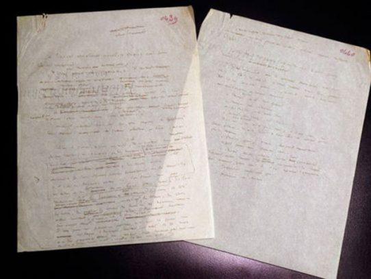 Subastan ejemplar original de El Principito con dibujos de su autor
