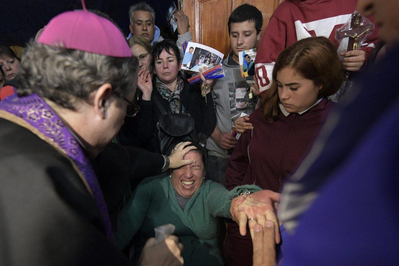 Escuela de exorcistas en Argentina enseña como expulsar demonios