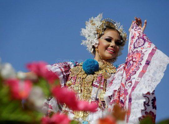 Desfile de las Mil Polleras, entre el esplendor y la tradición