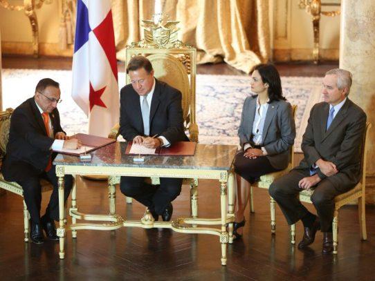 Varela sanciona ley que crea Secretaria Nacional  para el Desarrollo de los Afropanameños