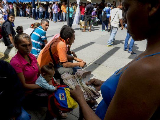 Caos en Venezuela, saqueos y más por falta de billetes