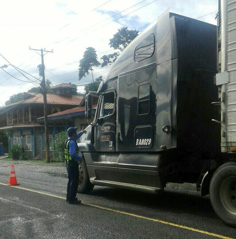 ATTT restringe permiso para transporte de carga sobredimensionada