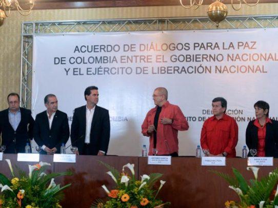 La última guerrilla: Gobierno colombiano instala diálogo con el ELN