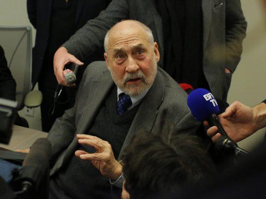 Stiglitz augura el fracaso de la política económica de Trump