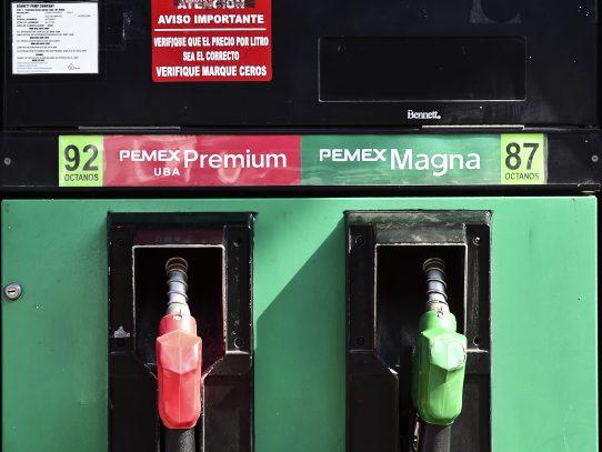 Gobierno mexicano mantendrá alza en precios del petróleo pese a protestas