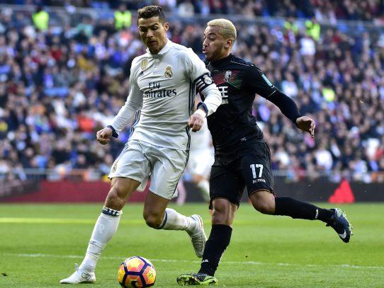 Real Madrid iguala ante Granada (5-0) récord de victorias, Atlético en Champions