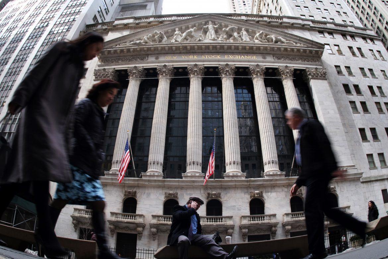 Wall Street abre la semana con fuertes alzas empujada por las tecnológicas