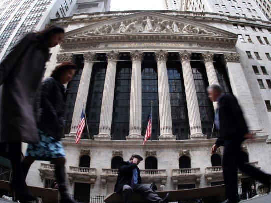 Wall Street cierra la semana a la expectativa de las decisiones de Trump