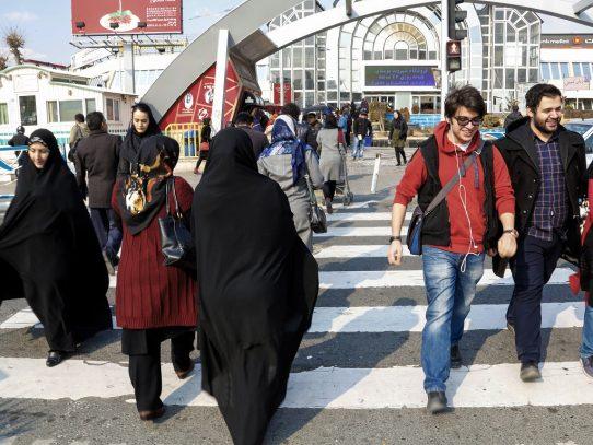 """Una culturista iraní es arrestada por mostrar fotografías """"semidesnuda"""""""